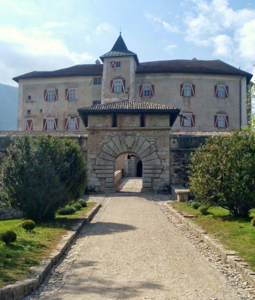 Castel-Thun-Entrata