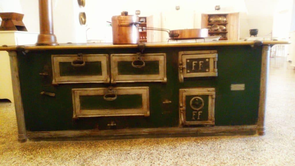 Cucina-nuova-Castel-Thun