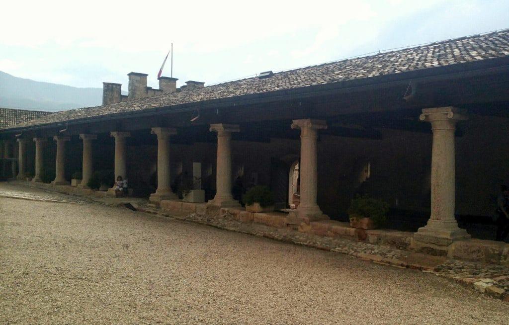 loggiato-castel-thun