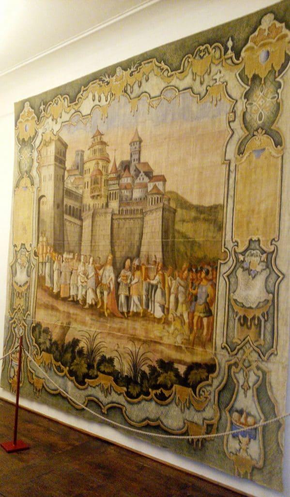 Tela-Castello-di-Thun