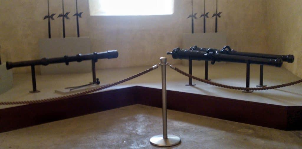 stanza-delle-armi-castello-di-thun