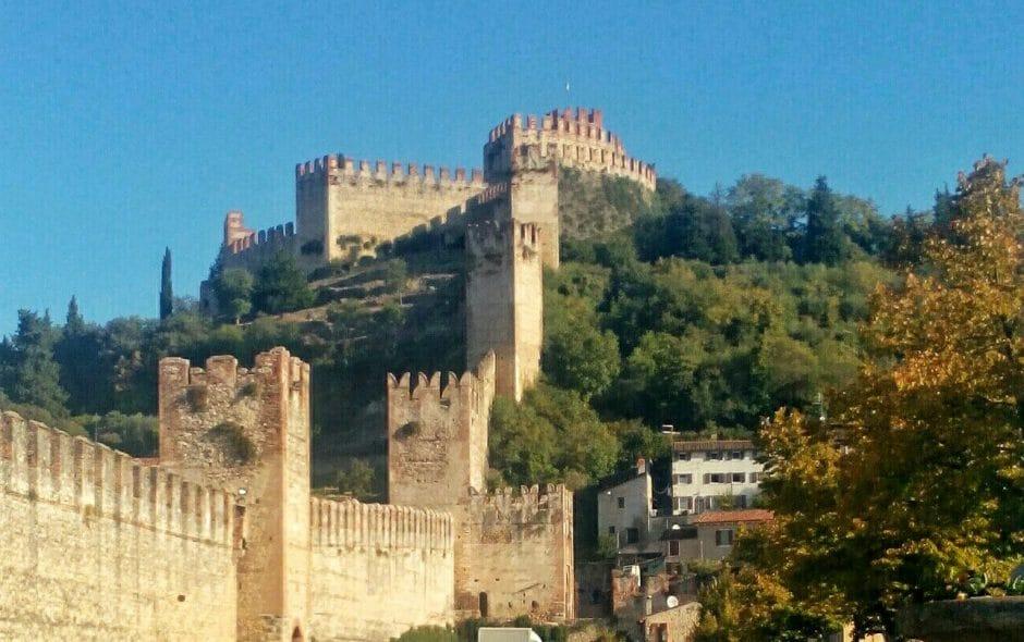 Il Castello medievale di Soave: borgo antico e suggestivo