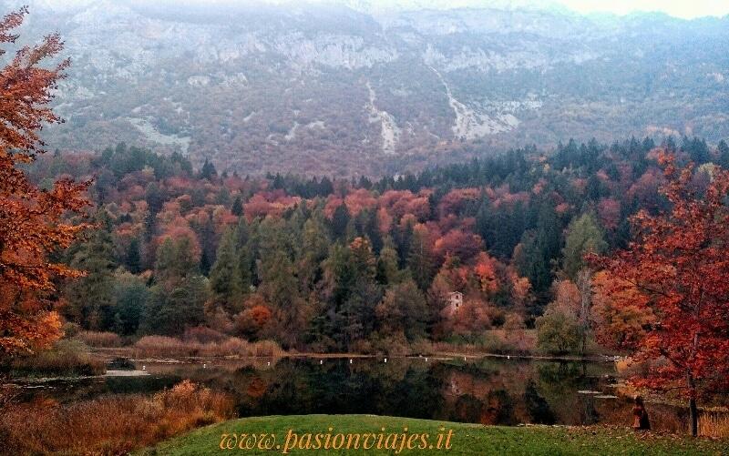 Lago di Cei Trentino: foliage d'autunno