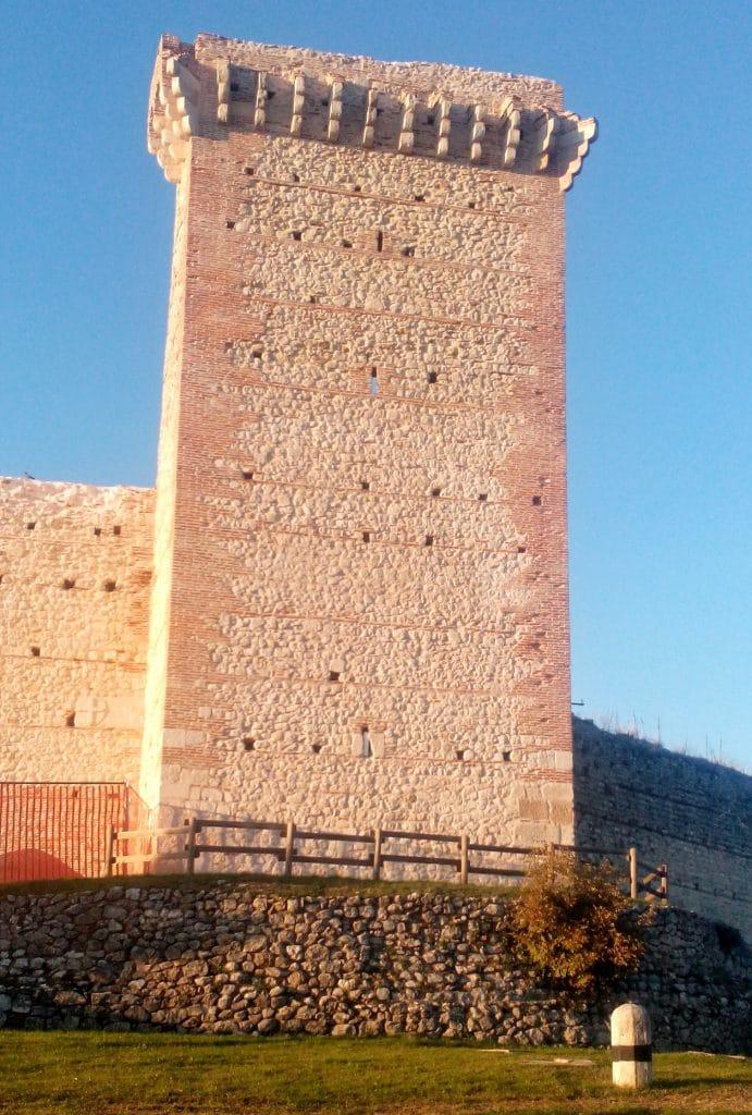 mastio-castello-romeo
