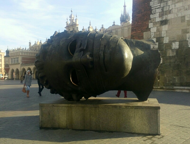 statua-eros-cracovia