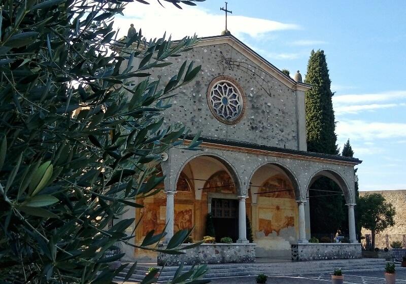 Santuario-Madonna-Frassino