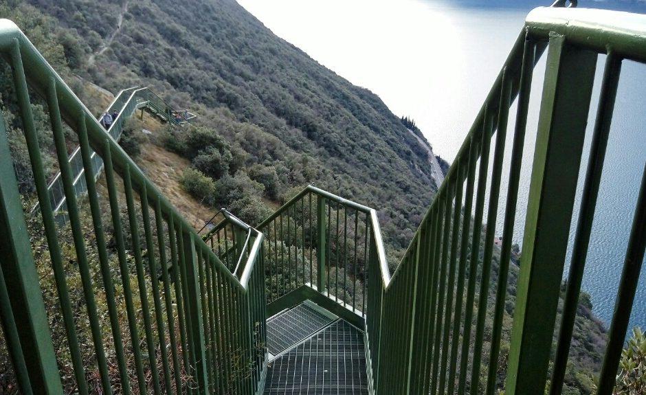 Sentiero Busatte Tempesta: scalinata panoramica